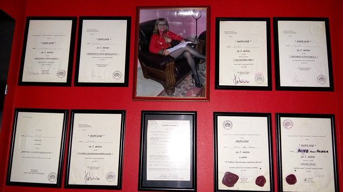 Alices Wall of Fame